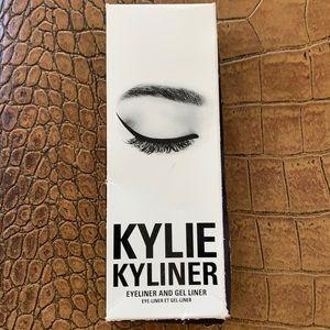 NIB KYLIE KYLINER EYELINER & GEL LINER BLACK